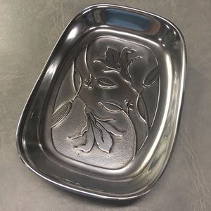 Vintage Wilton Pewter Tray/Serveware with a Lily Design New/Unused
